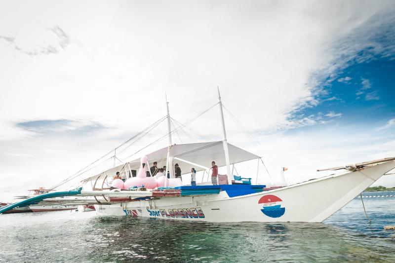 アイランドホッピングのバンカーボート