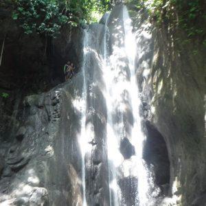 ビナラヤン滝