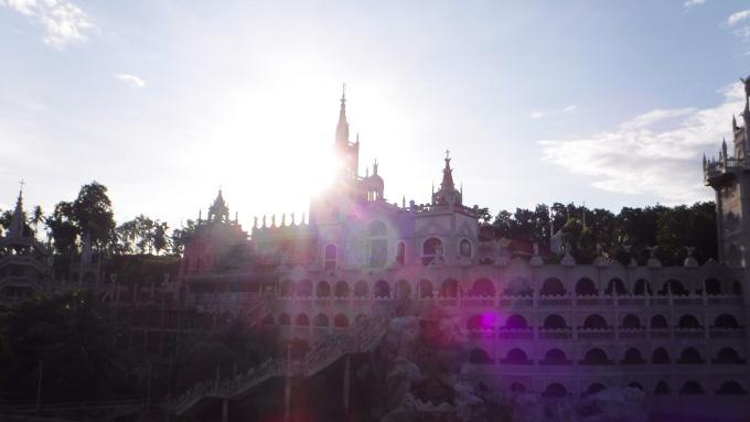 シマラ教会の外観