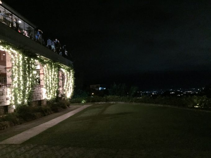 セブ島シャトーデ・ブサイの庭園