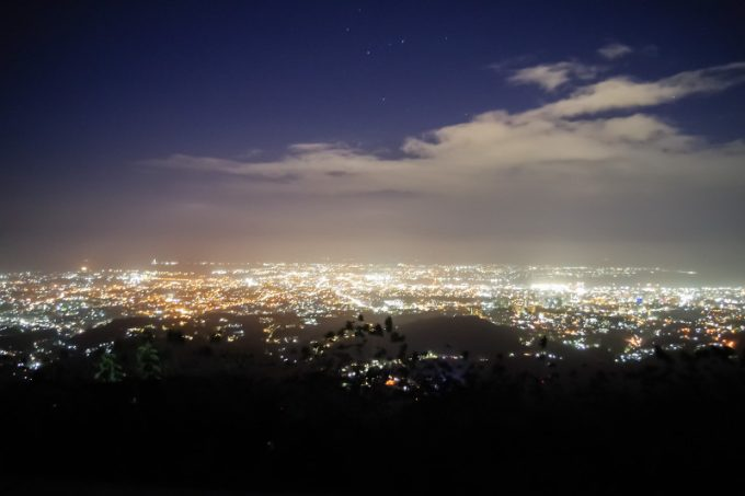 トップスから見たセブシティーの夜景