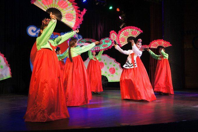 韓国的な踊り
