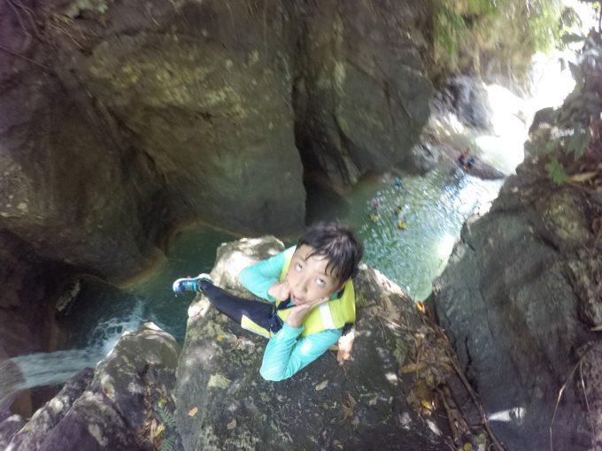 ダイナミックツアーの7mジャンプする子供の写真
