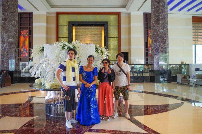ラディソンブルホテルでの記念写真がイメージできる画像