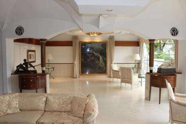 民泊で泊まれる豪邸がイメージできる画像
