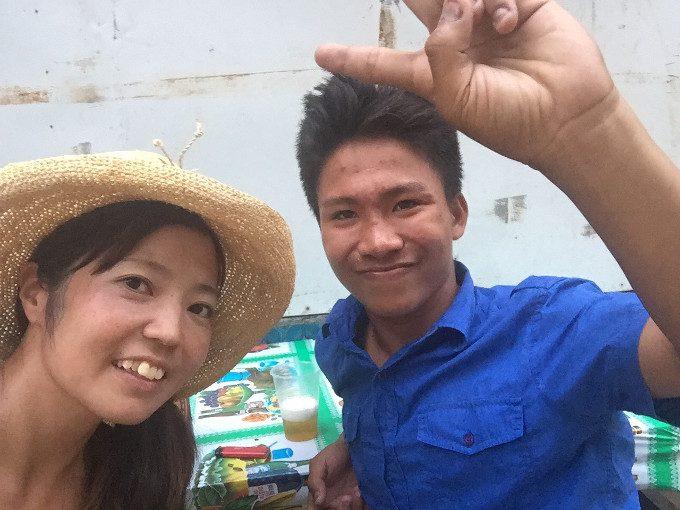 韓流アイランドホッピングのスタッフとショッピングした写真