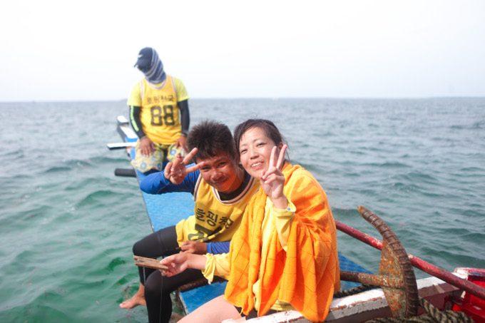 韓流アイランドホッピングで釣りをしている写真