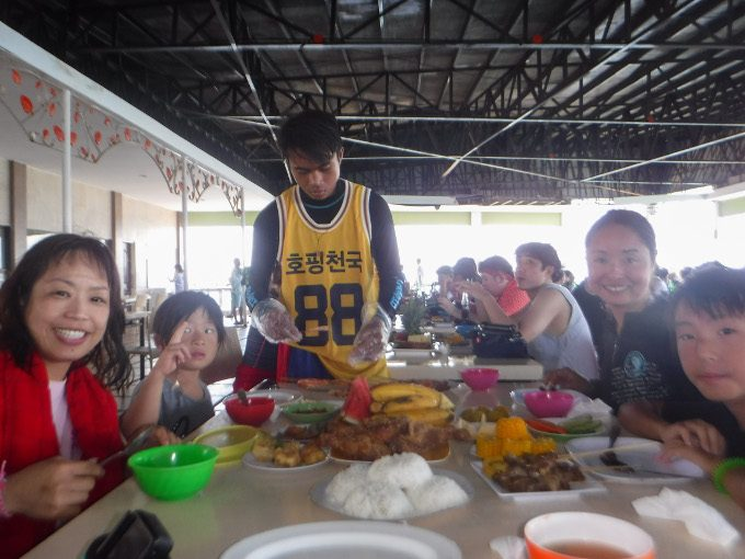韓流ホッピングでの昼食の写真