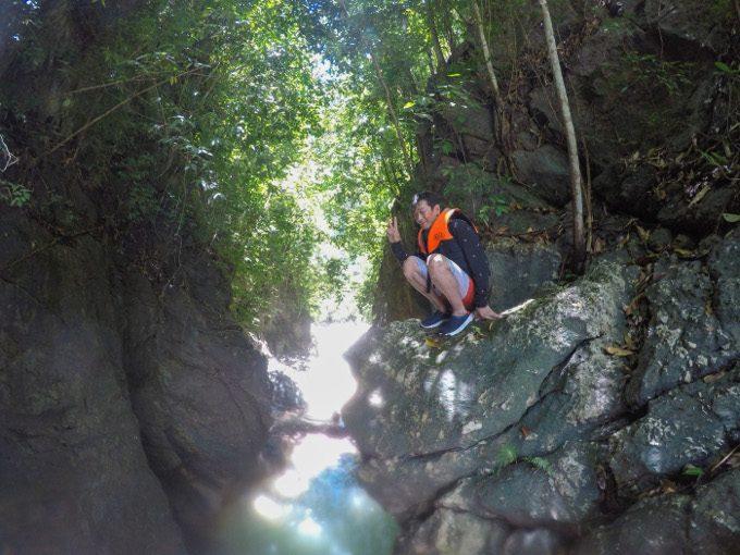ダイナミックツアーの7メートルジャンプ位置での写真
