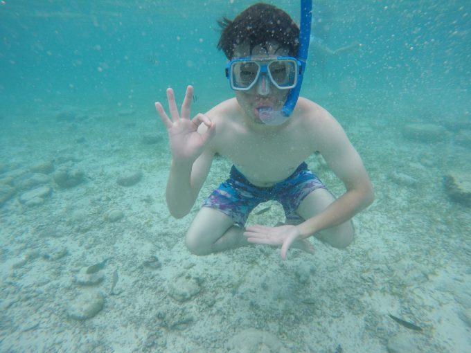 セブの海を満喫しているイメージができる写真