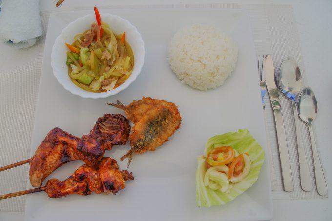 ドリーム・オブ・セブのアイランドホッピングの昼食の写真