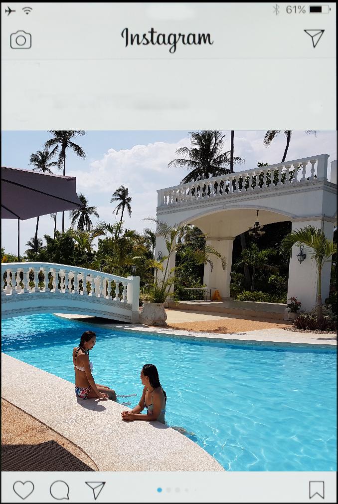 カサブランカホテルのプールで遊んでいる写真