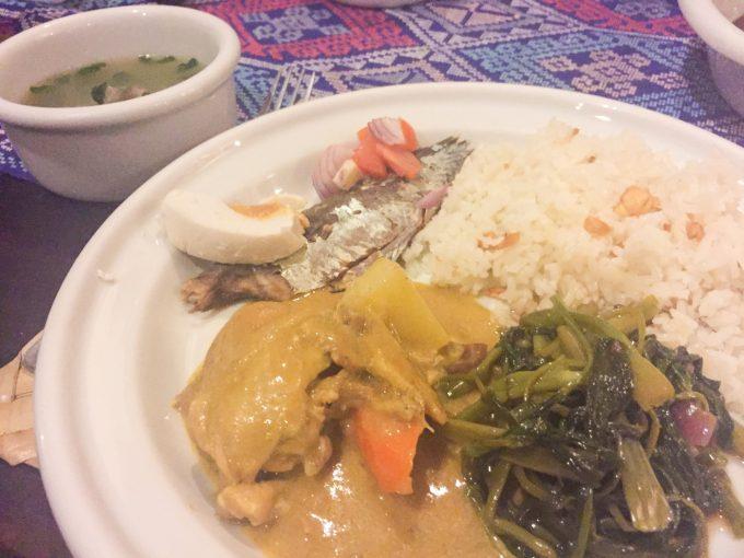 アバセリアカフェの食事スタイルの写真