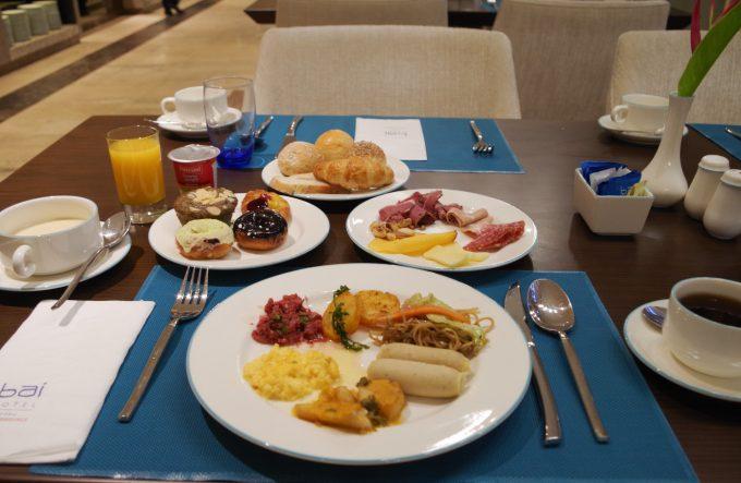 バイホテルの朝食の写真