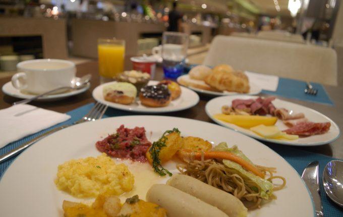 バイホテルの朝食ビュッフェがイメージできる写真