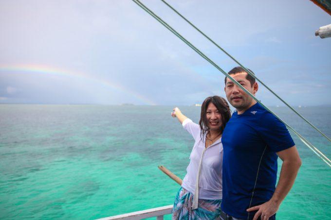 アイランドホッピング中の虹の写真