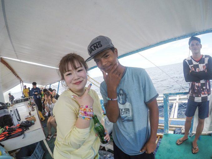 フィリピン人スタッフとの記念写真
