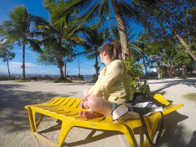 ナルスアン島でゆっくりと休むイメージの写真
