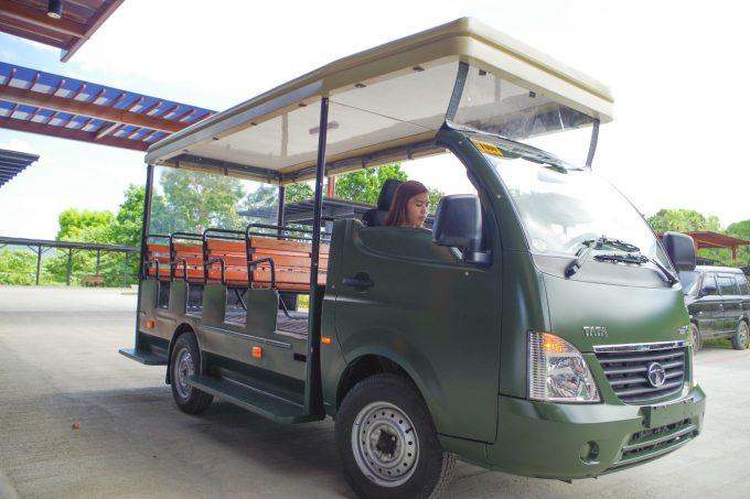 セブサファリの移動用の車の写真