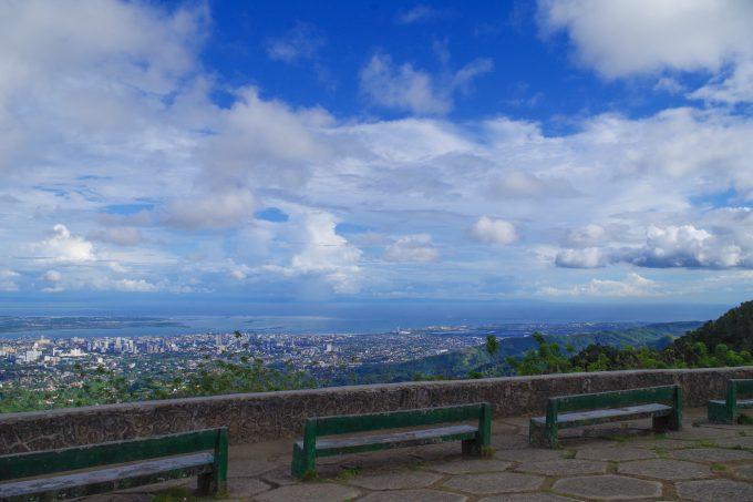 昼間のトップスから見る景色の写真