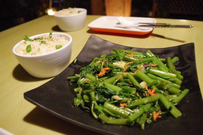 カラチュチの空心菜の写真