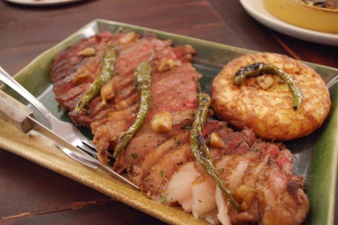 ナンバー9の肉料理