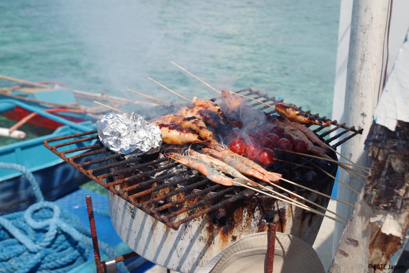 貸切ボートの船上BBQ