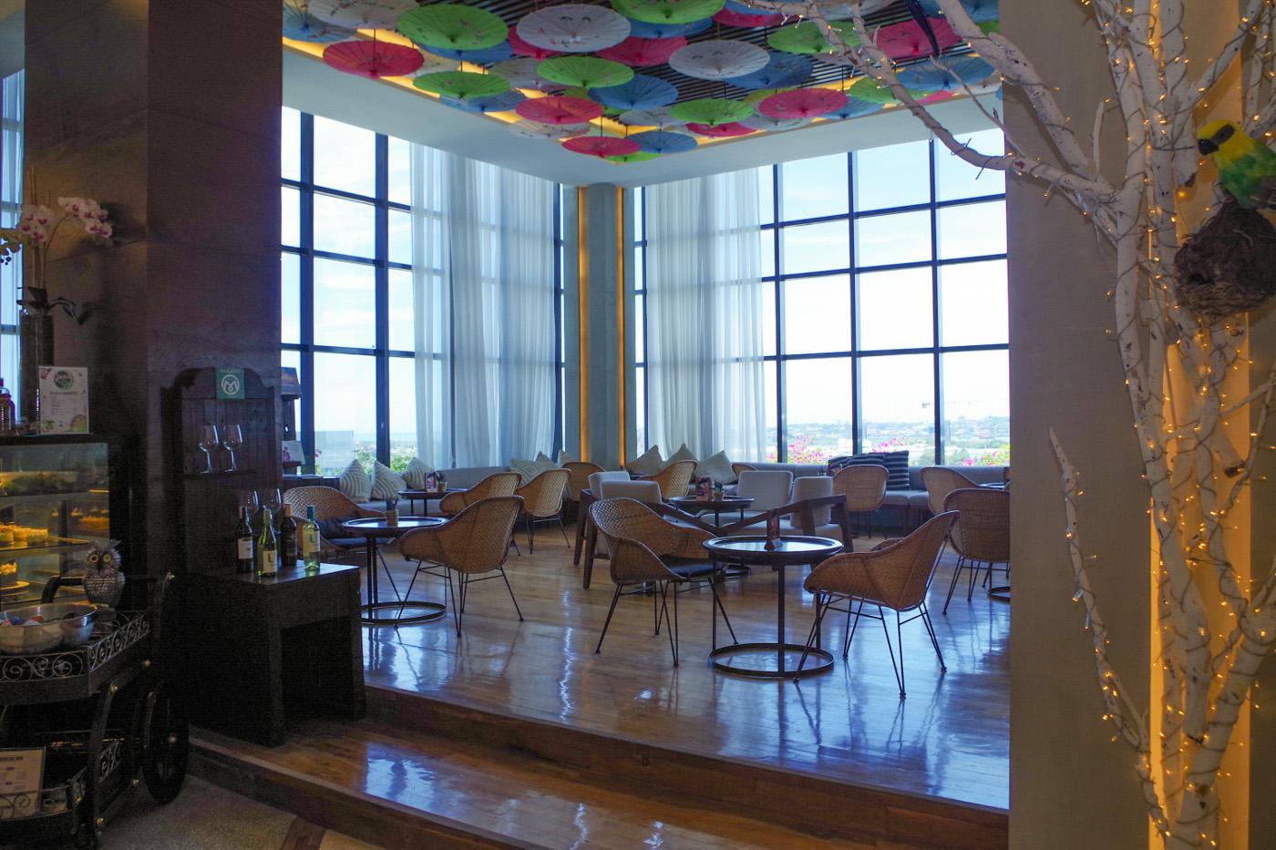 マアヨホテルのロビー