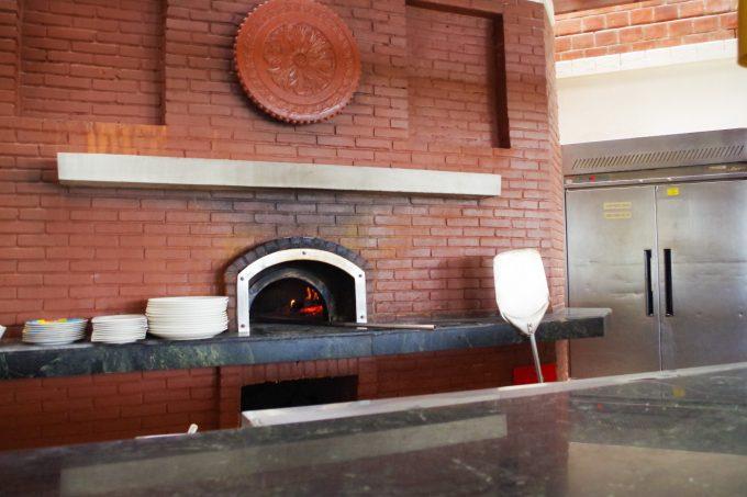 アクアのピザ窯