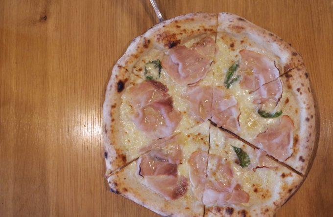 ラノストラのピザ