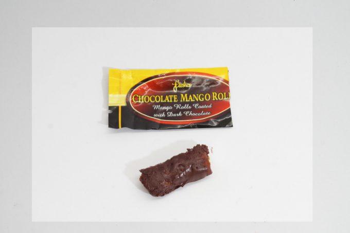 Freshcoのチョコ掛けマンゴーロール
