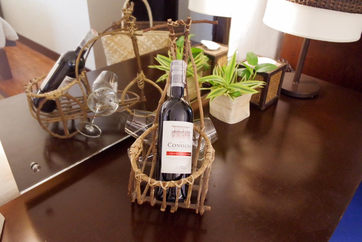 サウスパームホテルのミニバーのワイン
