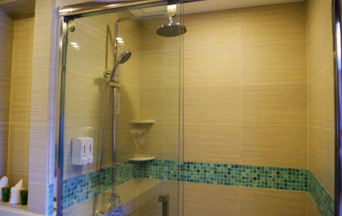 マアヨホテルのシャワールーム