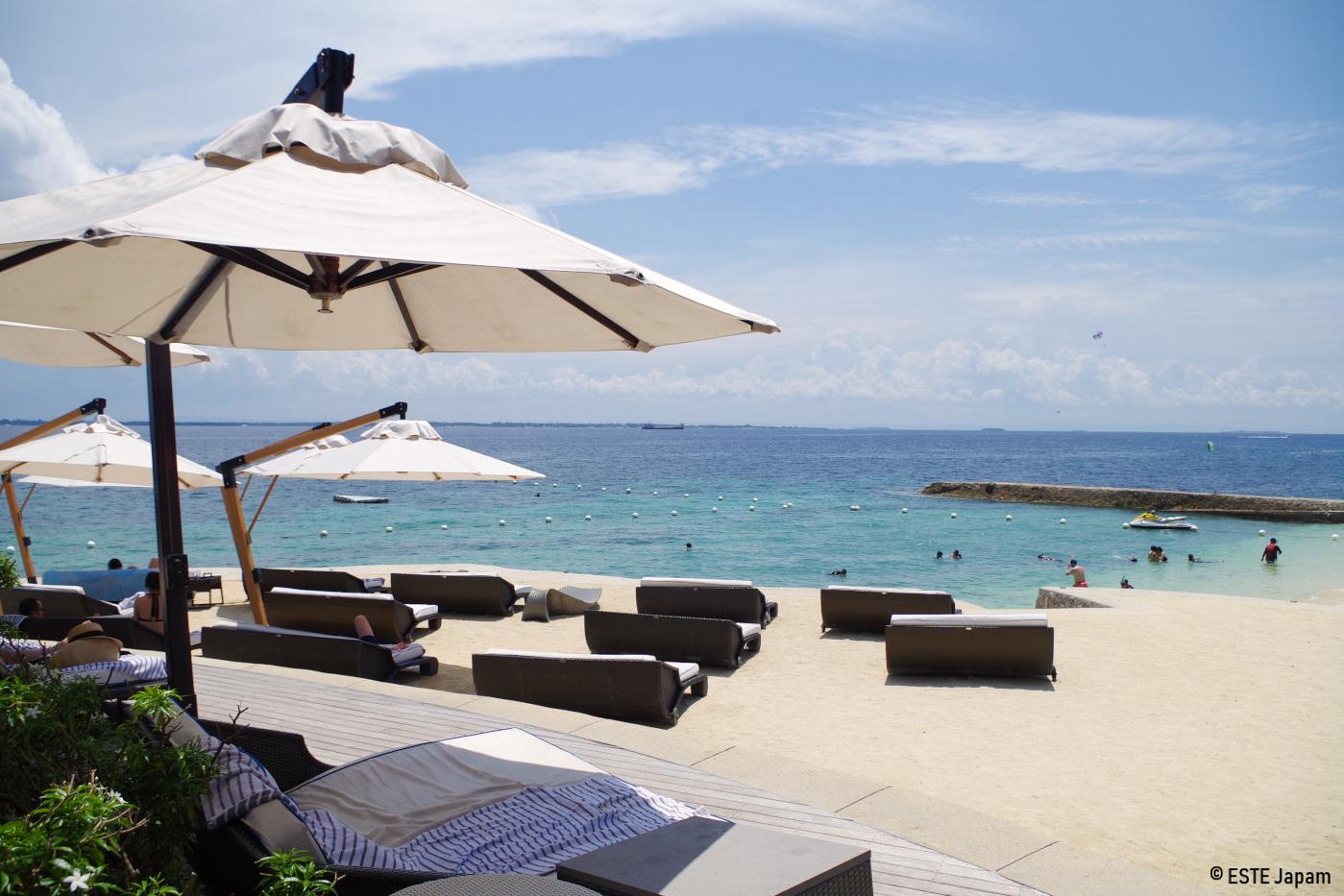 クリムゾンホテルのビーチの雰囲気