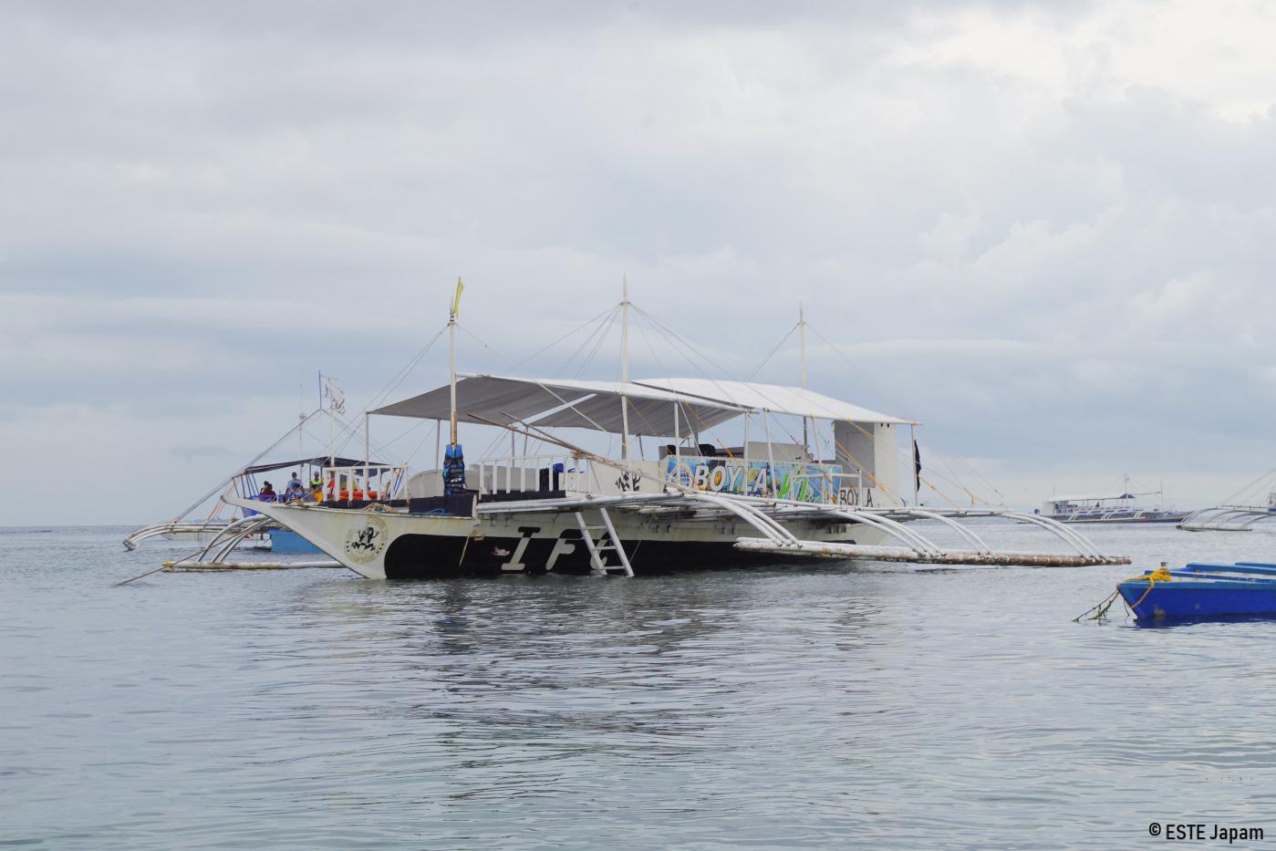 オーシャンホッピングのボート