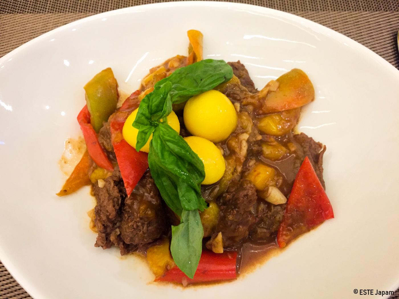 マンゴービストロの牛肉料理