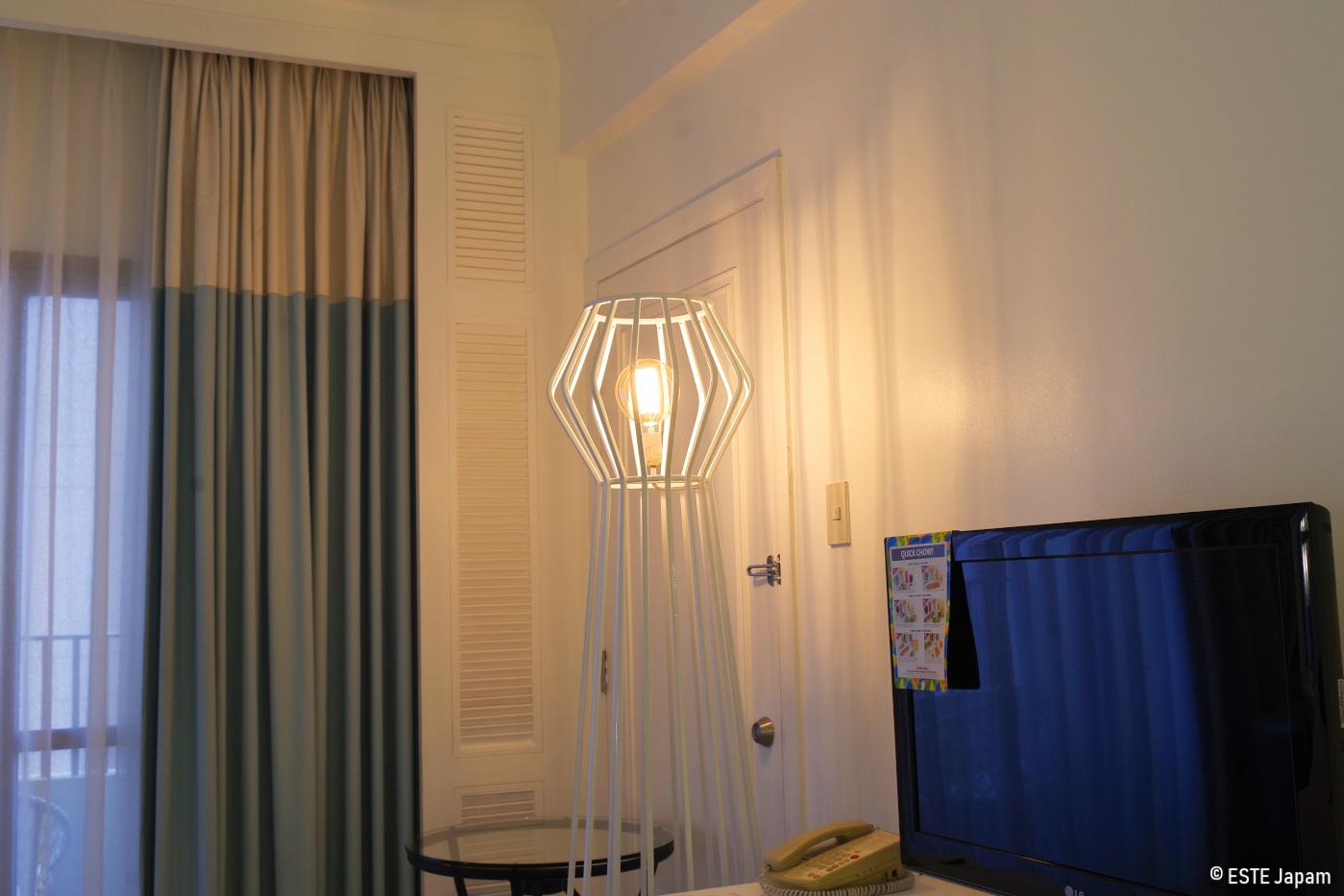 モーベンピックホテルの部屋のお洒落なライト