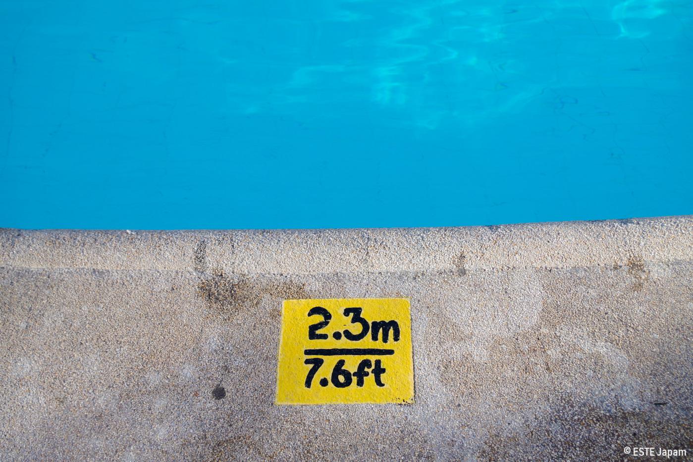 シャングリラホテルの深いプール